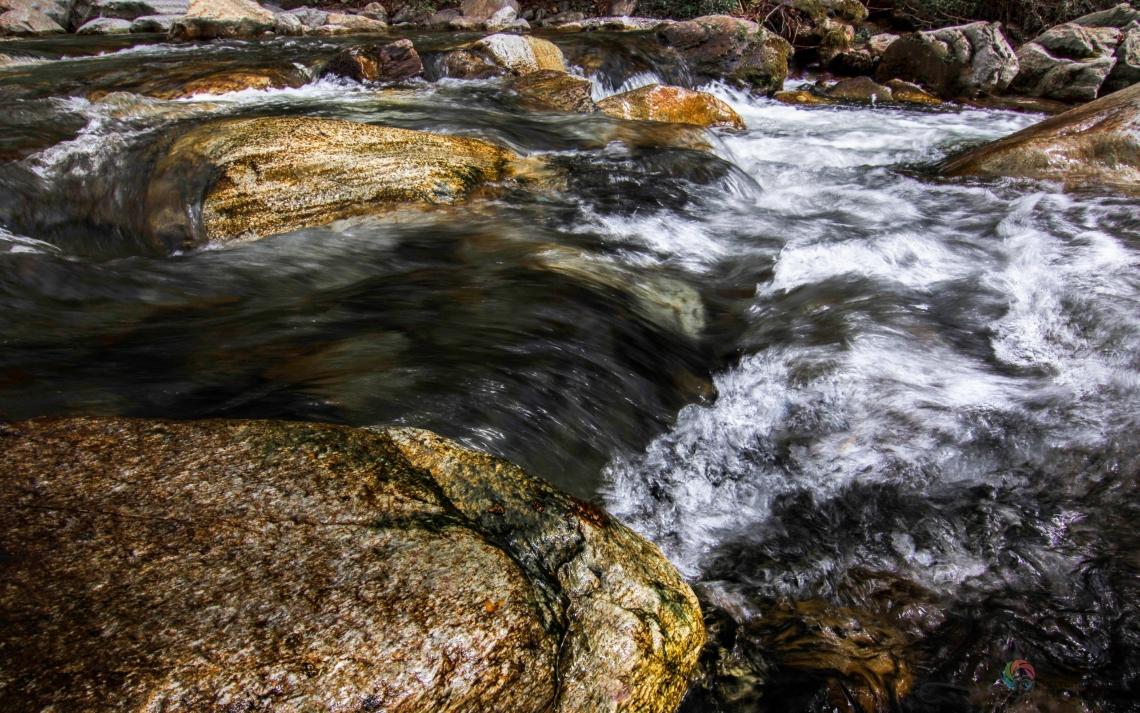 Голямата Стара река в красивата Карловска долина